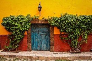 Blue-door-San-Miguel-de-Allende-Mexico-